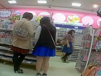 店内パンチラ盗撮!立ち止まると白や黒のパンツを見られちゃう生足ミニスカ娘たち