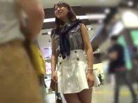 ミニスカ美女パンチラ盗撮!買い物中にしつこく追いかけパンスト越し純白パンツ激写