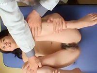 セクハラレントゲン診察!大股開きで深呼吸させて力が抜けたところにズブッと挿入
