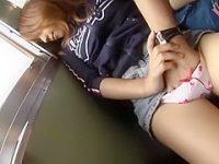 電車痴漢!座席でパンツに手を入れられ濡れちゃうとチ〇ポも入れられるむちむち娘