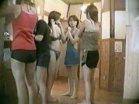 風呂脱衣所盗撮!必死で隠しながら脱いでもおっぱいもお尻も見えちゃう美少女たち