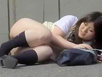 いきなり押し倒して下半身丸出し!スカートとパンツを一気に剥ぎ取られる制服娘たち