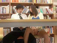 図書館でこっそり手コキ!戸惑いながら勃起する男子をそっとフェラチオしてあげる痴女