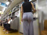 透けすぎパンツ露出!薄すぎるぴちぴちパンツでぷりぷりお尻を見せつけて歩く痴女