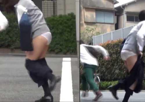 強襲制服娘を狙いスカートを無理やり剥ぎ取る!パンツ丸出しにさせられる女の子たち