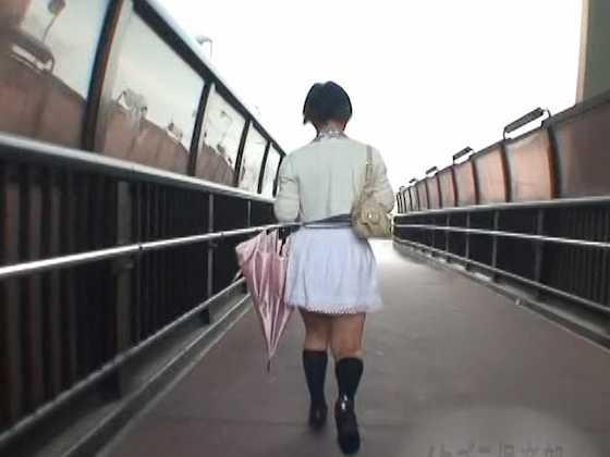 突然スカートめくりでパンティ激撮!7