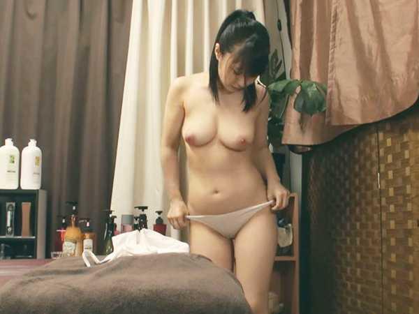 制服美少女の性感オイルマッサージ2-5