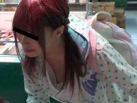 パンチラ胸チラ映像集!しゃがむと食い込みパンツも豆乳首も見えちゃう無防備美少女