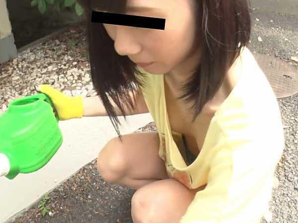 無防備美少女のパンチラ・胸チラ映像集2