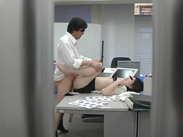 ●ノ内某外資系商社流出映像 オフィス内セクハラ盗撮3