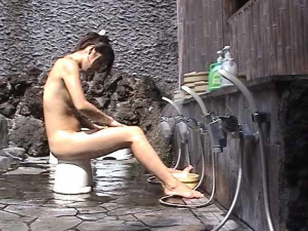 温泉で我慢できずに放尿脱糞!旅館温泉7