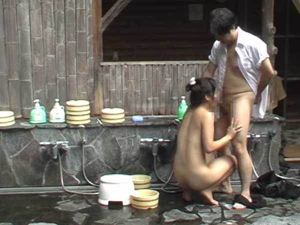温泉で我慢できずに放尿脱糞!旅館温泉8
