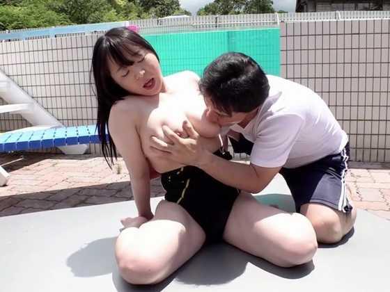 競泳水着を脱がせて背後からノンストップ乳首責め5