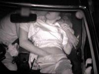 カーセックス赤外線盗撮!指輪をはめたまま若い男のチ〇ポをハメる不倫妻