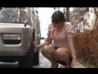車が故障して困っているお姉さんを助けるとヤラせてくれる「ダメですか?」ダメなわけない