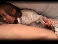 泊まりに来た妻の友達が寝てる旦那のチ○ポをしゃぶる「バレなきゃいいでしょ!」