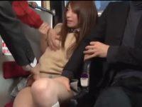 バス車内で痴漢される子!抵抗するも大勢の男たちに抑えられチ○ポをしゃぶらされる