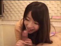 ライブチャットでフェラの要望に彼氏を呼ぶ彼女「すごいビンビンじゃん!」口内発射
