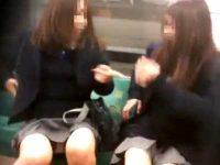 ミニスカ制服パンチラ!電車や階段で勝手にパンツを見せてくれる女の子たち