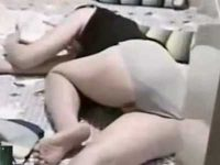 民家侵入痴漢!アパートに忍び込み寝てる女を盗撮、脱ぎたてパンツを物色する