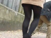 美脚街撮り!コート着て短いスカートで寒そうに歩く女性を追いかけるパンストフェチ