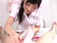 チ〇ポをガーゼで拭くと発射する患者「キレイにしなきゃね!」おしっこをかける看護婦