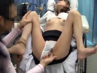 ミスを認めないお高い女医に制裁!嫌がっていたのに喘ぐ女に勝手に中出しの罰