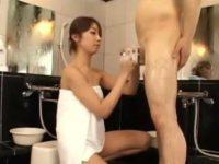 銭湯でチ〇ポ洗いサービス「痛くないですか?」カリをねじりながらシコシコする嬢
