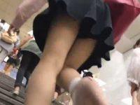 駅構内でパンチラ盗撮!階段を駆け上がるとスカートが浮いて見えちゃうパンティー