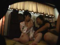 添い寝クラブで「困ります!」無理やりハメると激しく腰を振り中出しされる女の子