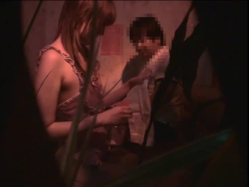 花びら回転ピンサロ盗撮!可愛らしそうな嬢にひとり2,3分であっさり2回イカされる客
