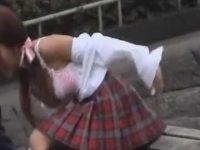 ブラウス剥ぎ取りピンクブラジャー丸出し!抵抗するも引きちぎられる制服娘