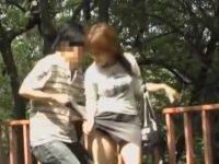強襲スカート破り!剥ぎ取られなくても柄パンティーは丸出しにされちゃう女性