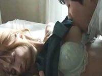 新しい母に襲いかかる息子「仲良くなりたいんでしょ?」乳首をちゅうちゅう吸う