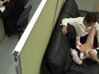 休憩中にオナニーするOL!ローターが上司にバレてしまいセクハラ、楽しそうにするスケベ女