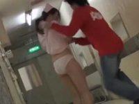 話しかけてスカートめくり!ぷるぷるして飛び出すデカ尻を見られちゃう看護婦
