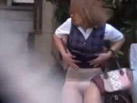 スカートめくりダッシュ!制服OLばかりを狙いタイトスカートを無理やりめくりまくる