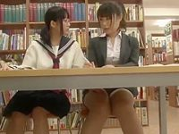図書館レズ痴漢!太ももを擦る制服娘から逃げると死角でおま〇こをかき回される美女